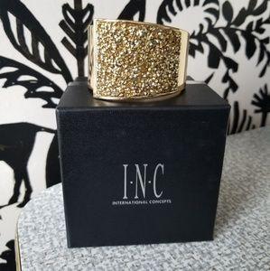 ⚡NIB⚡INC Gold Bracelet